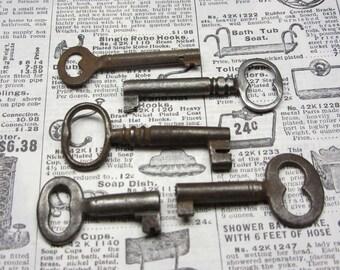 5 Antique Skeleton Keys Authentic Late 1800s Era Vintage Metal Keys Original Collection of Skelton Keys Jewelry Crafts Collection Old Keys C