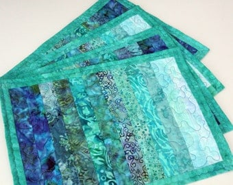 Set of 4 Batik Quilted Place mats / Table mats, Aqua Wave, Handmade by PingWynny