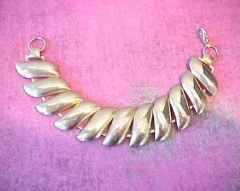 Very Pretty Vintage Retro Look Brass Link Bracelet