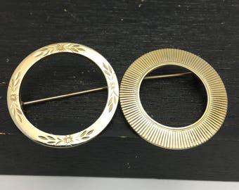 Circle Pins 2 Vintage Circle brooches gold tone pins engraved flower and ribbed edge pins