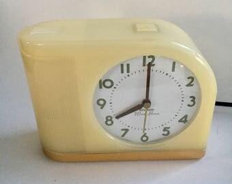 Nineties Reproduction of the Iconic Westclox Big Ben Moonbeam Alarm Clock