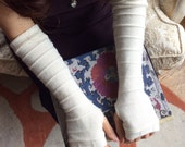 Womans Natural White Cashmere Fingerless Gloves. Bridal accessory , Fingerless Mittens,  Wrist Warmers , armwarmers , Bridal glove