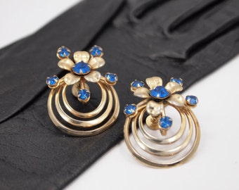 SOLD Blue Rhinestone Flower Earrings, Screw Backs, 1940S Vintage Jewelry