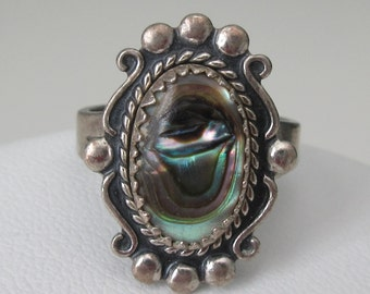 Vintage ~ Signed ~ BELL TRADING COMPANY ~ Sterling Ring with Abalone Shell ~ Approx. Size 5