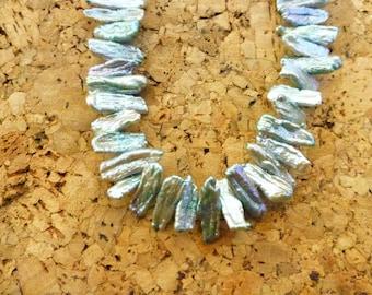 Stick Pearl Necklace/Pale aqua color