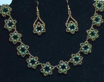 Beadwork Necklace Green Star Necklace Brass Bead Necklace Green Brass Necklace Green Bead Necklace Beaded Star Necklace Beadwoven Necklace