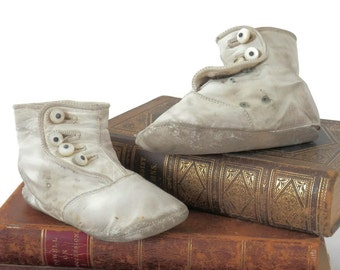 Edwardian Baby Booties White Leather with Mother of Pearl Buttons Antique Children's Clothing