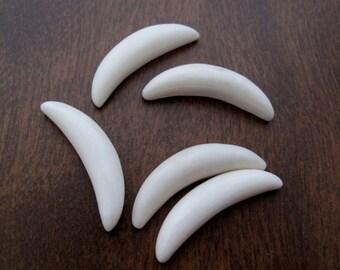 SALE small Flat back, Buffalo bone carving,   double horn S7567