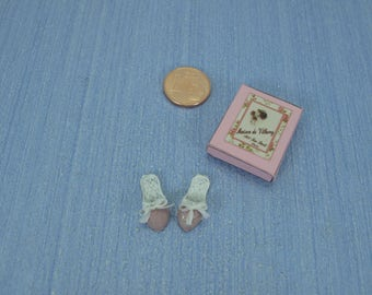 Gaël  Miniature romantic   Box with house slippers pink  1 :12 Dollhouse Miniature Home Decor Accessory. Handmade miniatures