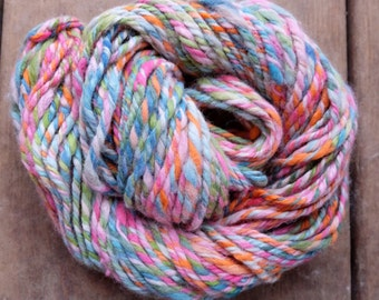 handspun yarn Rainbow art yarn Bulky yarn 3 ply Pink blue yarn for knitting from Canada Hand spun alpaca Artisan yarn Knit gift 8oz-94y 6WPI