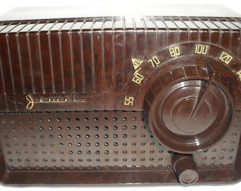 Jewel Tube AM Table Radio by Datom Restored Bakelite Mod 9170 Mid Century Vintage 1960s Works Great!  Watch the video!