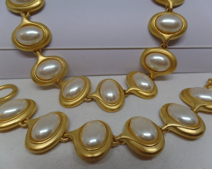Beautiful Vintage Mabe Pearl Toggle Bracelet & Necklace Set