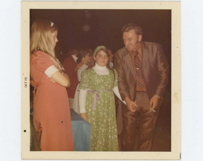 """Vintage Snapshot Photo: """"Thats Lori, Doesn't dad look handsome?"""" 1973 (612535)"""