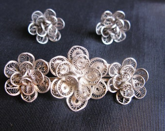 filigree jewelry cannetille, brooch earrings set, signed Mexico, silver flowers screw back