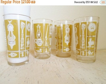 ON SALE Vintage Set of Four Bar Glasses with Early American Pattern  Harvest Gold and White, Mid Century Modern, Barware, Glassware, Glass