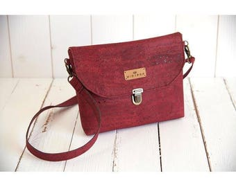 Shoulder bag vegan leather flap of Cork Red Raspberry, soft and sweet, eco-friendly and ethical.