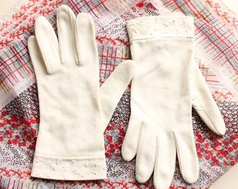 Vintage White Gloves, Ladies Formal Dress Gloves, Embroidered Gloves, Circa 1950's