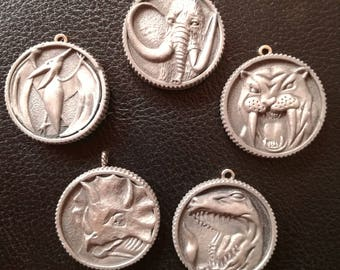 Power rangers mighty morphin, power coin medallion necklace