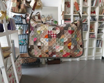 quilt bag / cross body / shoulder bag / patchwork and hand sewing / Moetaya Anastasia