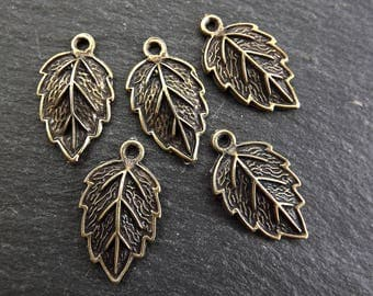 5 Leaf Pendant Charms - Antique Bronze Plated