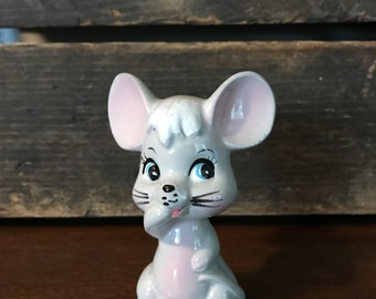 Vintage mouse salt shaker - mouse decor - Salt / pepper shaker