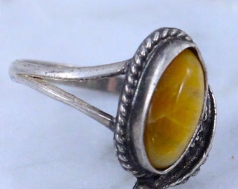Antique Gorgeous sterling silver NAVAJO ring found in wood Charging MEMORY BOX