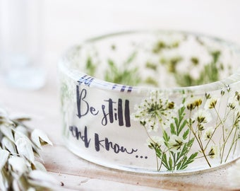 Real Flower Bangle - Bible Verse Bangle - Psalm 46:10 , Be Still and Know , Christian Jewelry , Botanical Jewellery, Resin Bangle , Bible