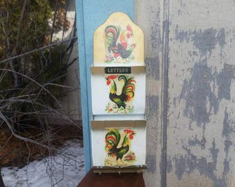 Vintage Country Kitchen Rooster Letter/Bill Holder or Key Rack Metal Wall Hanging