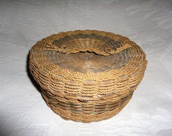 Vintage Native American Wabanaki Sewing Basket Sweet Grass Ash Splint Lidded Storage