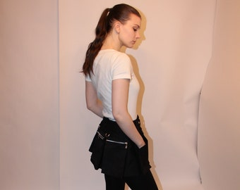 Utility mini skirt with zippered pockets