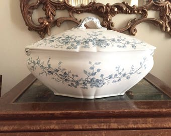 Antique English Tureen, Blue Green Transferware Tureen, Soup Vegetable Tureen, English Soup Tureen, French Country, Cottage Farmhouse