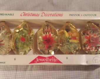 Reserved.Jewelbrite unbreakable lot of 5 Christmas decorations. American made. Plastic flowers inside.