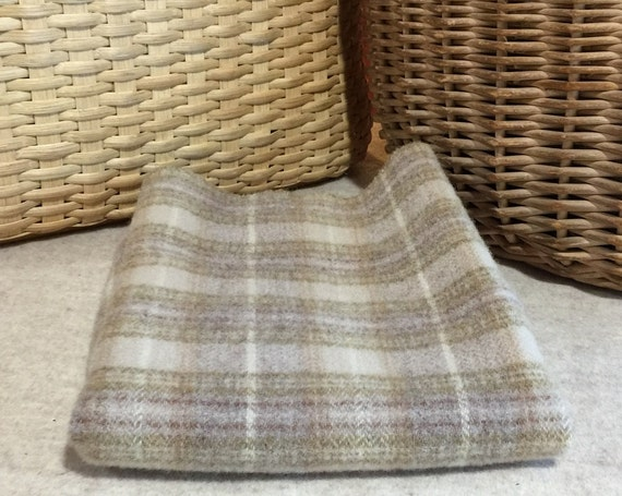 Favorite Khaki Background, Mill Dyed Wool Fabric for Rug Hooking, Applique, Penny Rugs, Fiber Arts, Fat Quarter Yard  W247