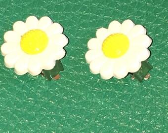 Cute Dasiy Clip On Earrings