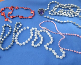 Lot Of Broken Mardi Gras Necklaces Purple Heart Shaped Plastic Ring