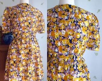 Vintage 1960's Charming Floral Dress / 29 Waist