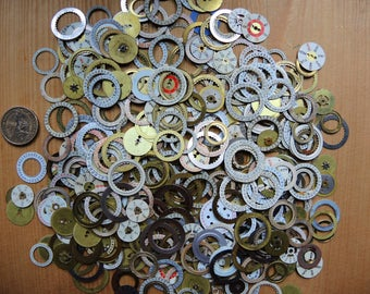 Set of 100 Random pick up Vintage used Date Dials Rings - Steampunk supplies - Watch dials - Watch face parts - Steampunk supply - Robot mix