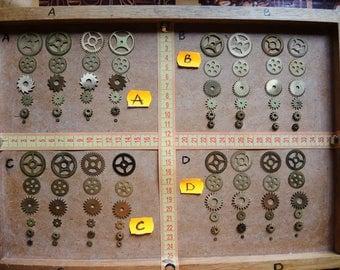Vintage clock gears / Set of 24 / Small BRASS Gears parts / alarm clock parts / Robot mix parts / brass gears / steampunk gears - g03