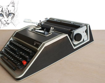 OLIVETTI working typewriter, Olivetti typewriter, vintage typewriter, FREE ink ribbon, Olivetti Lettera DL