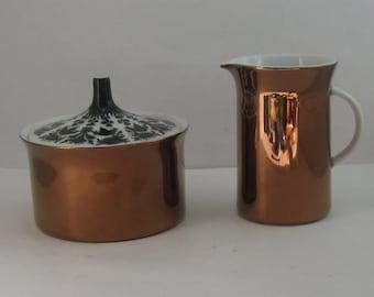 Rosenthal Germany. Sugar box and creamer. Form Berlin Tegel (Hans Theo Baumann). Decor Hilton (Bjorn Wiinblad). Modernist. 1960s. VINTAGE