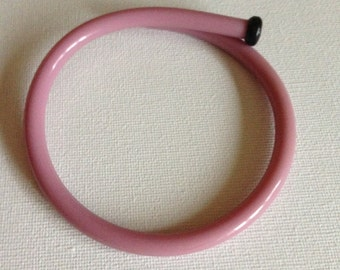 Bangle - Funky handmade vintage lilac purple early plastic knitting needle bangle - internal diameter is 68mm