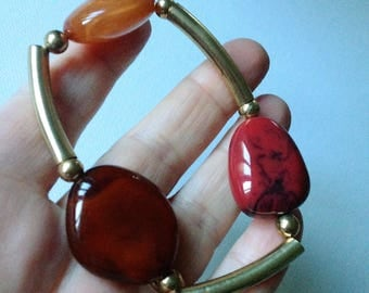 Bracelet  - marbled pebble shaped lucite plastic large beads bracelet
