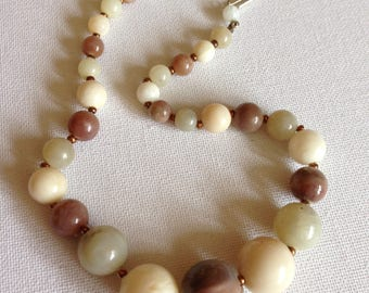 Necklace - round marbled cream plastic beads beaded necklace neutrals