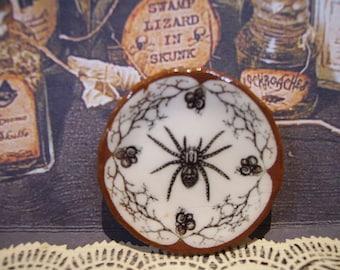 Halloween Spyder Miniature Plate for Dollhouse 1:12 scale