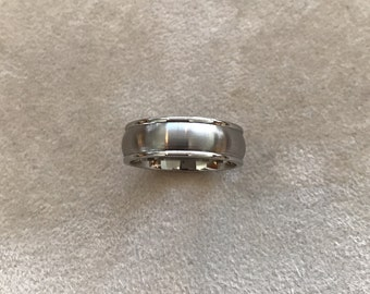 Titanium Ridged Edge 6mm Satin And Polished Band Size 10 Last One in Stock