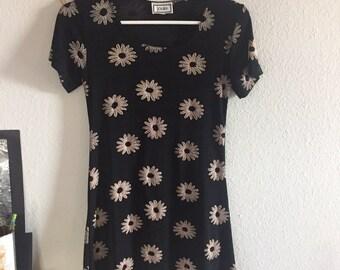 90's mini dress with daisies