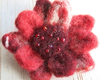 needle felted brooch- floral brooch - flower pin - clothing accessory - floral pin - flower brooch - uk seller - jewellery