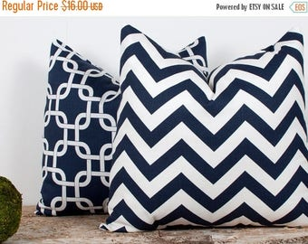 SALE ENDS SOON Navy Zig Zag Pillow Cover. One 16x16 inch. Stripes Pillow Cover. Zig Zag. Blue. White. Nautical Beach Theme Decor.