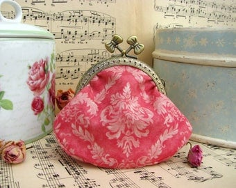 Coin purse clutch with damask patter, metal frame with bows, kiss lock purse