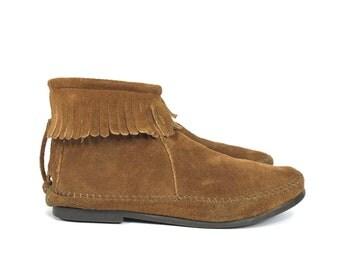 Size US 6.5 - Minnetonka Moccasins - Women's Shoes